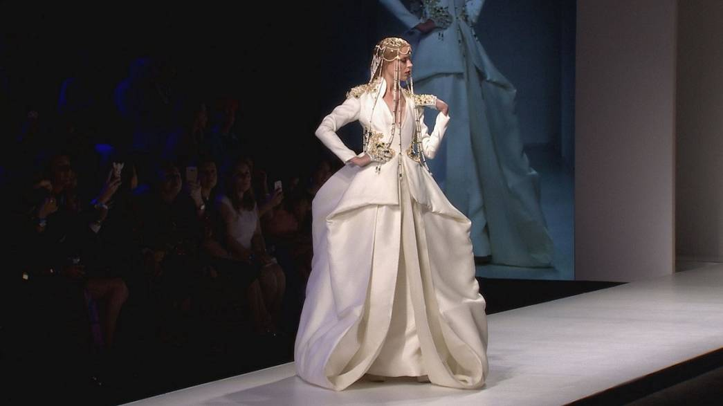 """Ready Couture"" auf der Arab Fashion Week in Dubai"
