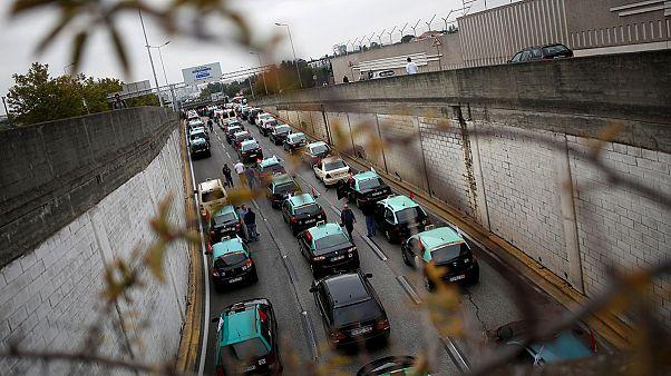 سائقو سيارت الأجرة في البرتغال يحتجون ضد شركة أوبر