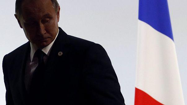 """Putin cancela su visita a París mientras que Hollande se muestra dispuesto a dialogar sin """"simulacros"""""""