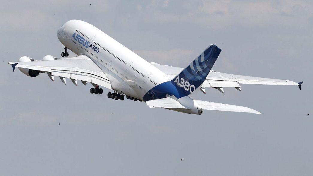 Airbus сокращает производство суперлайнеров A380