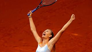 Sharapova plays in charity match