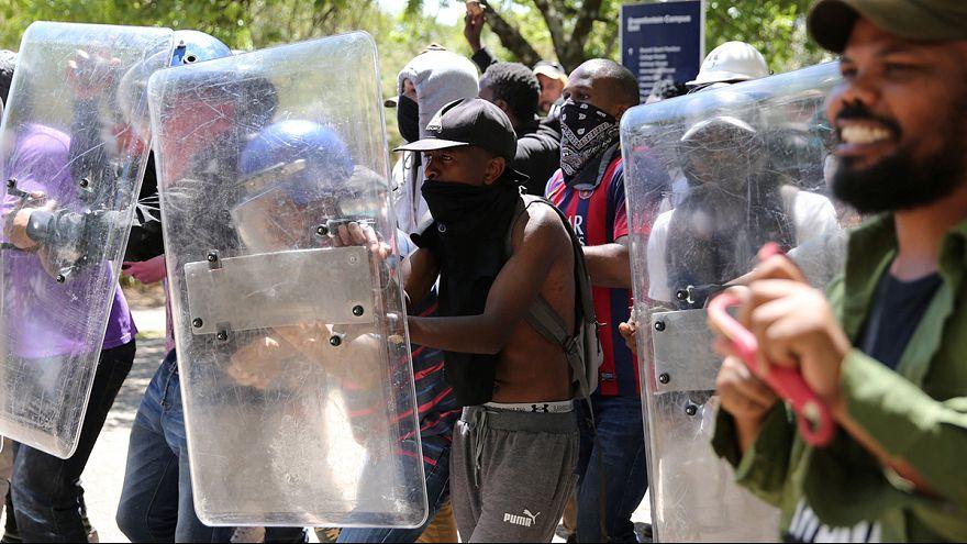 درگیری پلیس و دانشجویان آفریقای جنوبی برای دومین روز متوالی