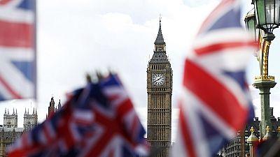 "Reino Unido: Estratégia ""brexit"" debatida no parlamento mas sem voto"