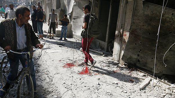 Halep'te insanlık enkaz altında