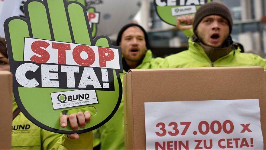 Forrnak az indulatok a CETA körül