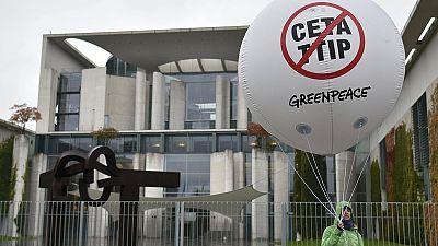 Breves de Bruxelas: CETA, Brexit e Barroso em destaque