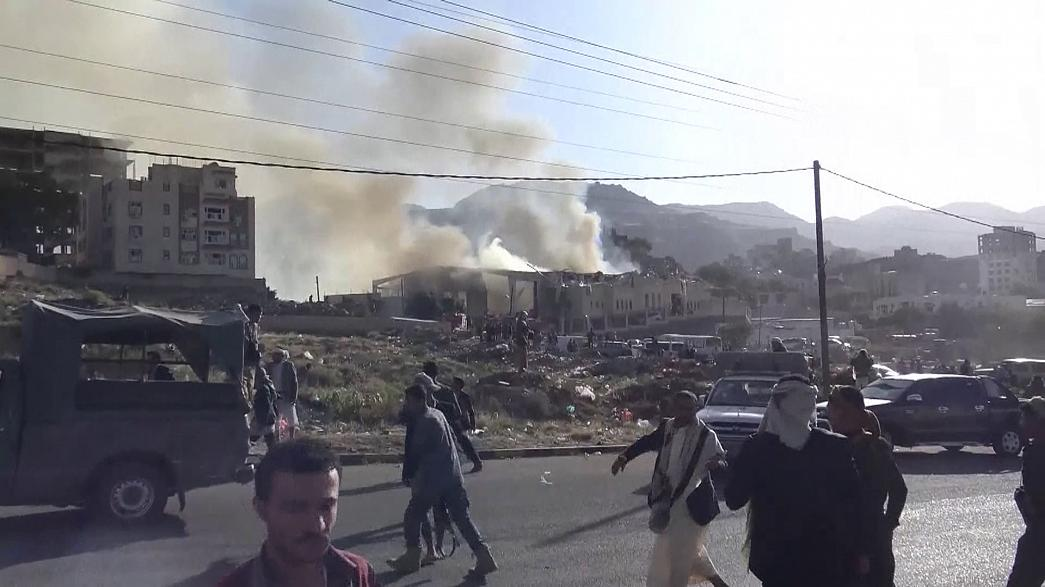 واشنطن تقصف مواقع للحوثيين والحوثيون ينفون استهداف مدمرة أميركية في البحر الأحمر