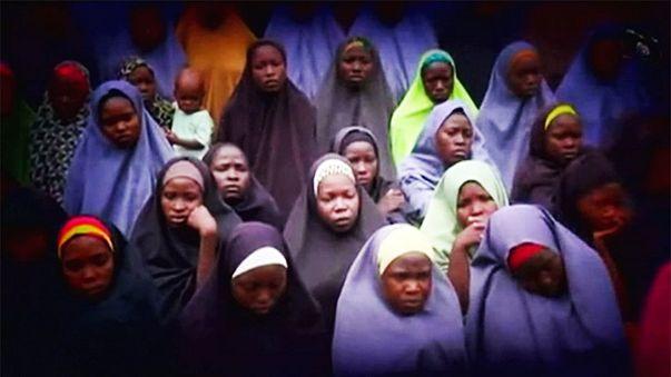 Boko Haram rehin tuttuğu 200 kız öğrenciden 21'ini serbest bıraktı