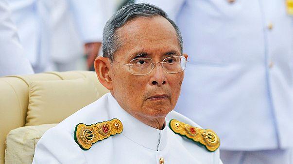 Morreu o rei da Tailândia