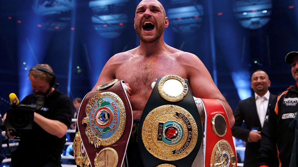 Boxe: Fury rinuncia ai titoli dei pesi massimi per disintossicarsi