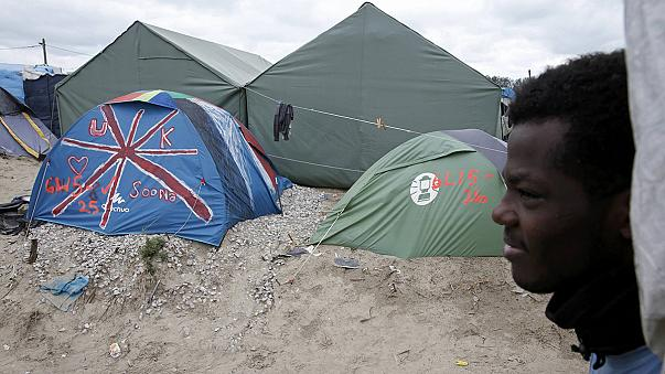 First of new wave of child refugees in Calais travel to UK