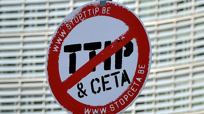 بلجيكا تتريث بالنسبة لتوقيع اتفاق التجارة الحرة مع كندا