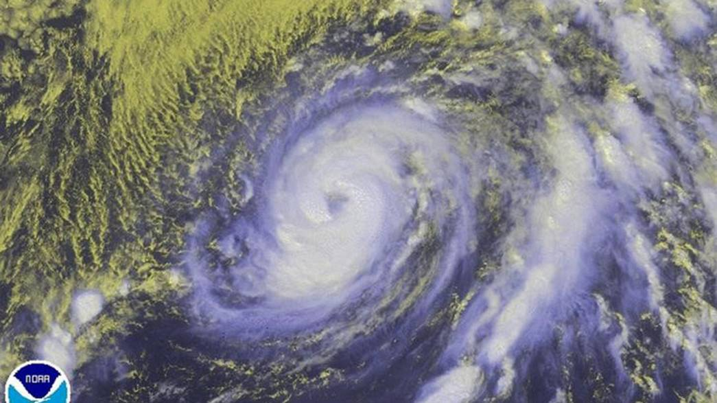 Hurrikan Nicole fegt über Bermuda