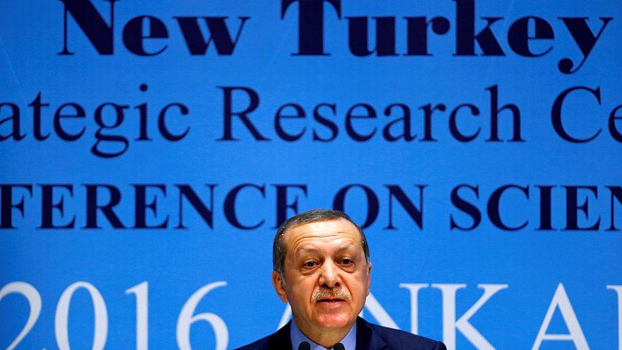 Erdogan scheitert erneut gegen Böhmermann