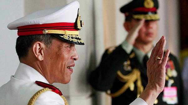 O controverso príncipe herdeiro da Tailândia