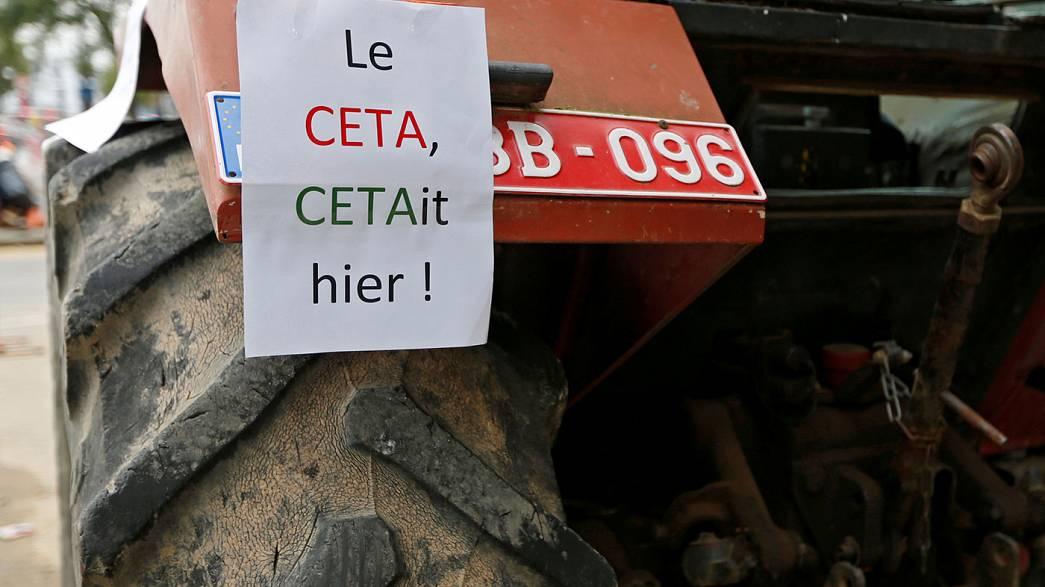 Суета вокруг CETA. Поощрение Греции. Кен Лоуч осуждает ЕС