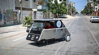Gazze'nin ilk güneş enerjili otomobili