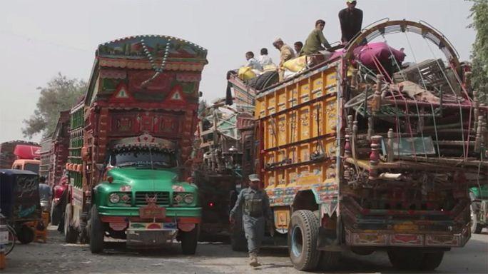 Exode du retour pour les réfugiés afghans du Pakistan