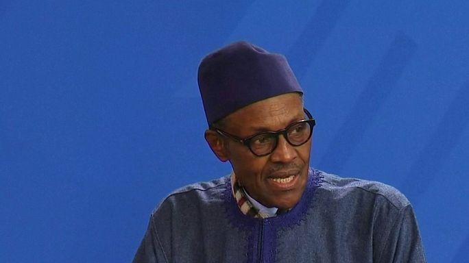 """""""La place de ma femme est à la cuisine"""", lance le président nigérian en conférence de presse"""