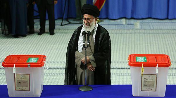 ابلاغ سیاستهای انتخابات توسط رهبر ایران: تاکید بر آزادی و سلامت انتخابات