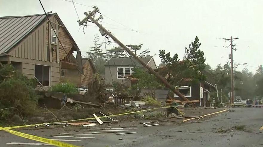 Tornado provoca destruição no Oregon