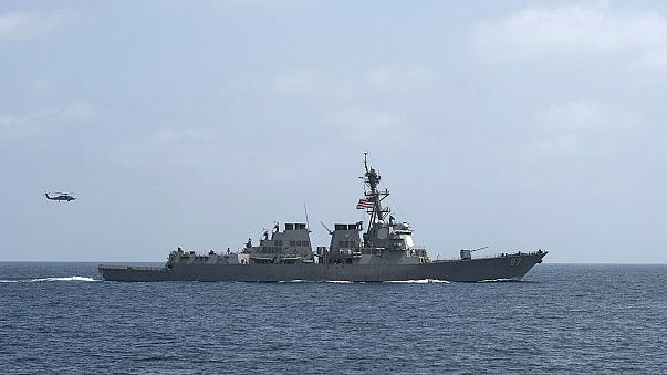 Újabb jemeni rakétatámadás egy amerikai hadihajó ellen