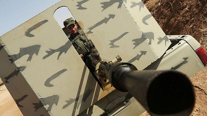 Tizenévesek az iraki seregben a dzsihadisták ellen