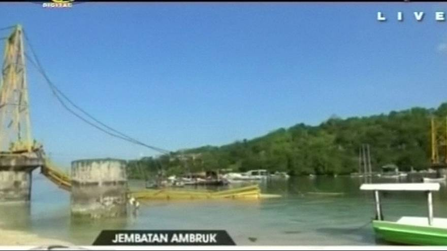 Tote bei Brückenkollaps in Indonesien