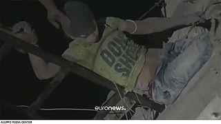 Syrie : sauvetage d'un garçon de 12 ans pris au piège dans un immeuble