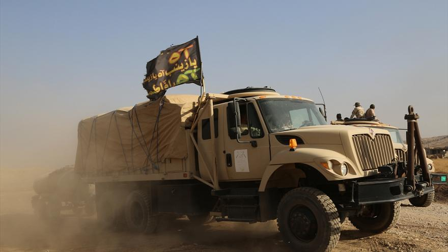 Irak ordusu Musul'a 'Şii' bayraklarıyla giriyor
