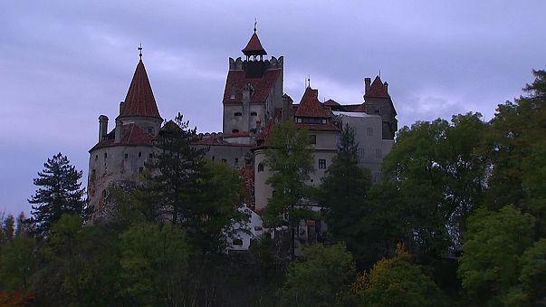 """Knoblauch und Kruzifix einpacken: Übernachten auf """"Draculaschloss"""""""