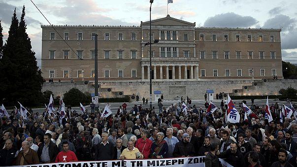 A görögöknek elegük van: újabb tüntetés volt Athénban