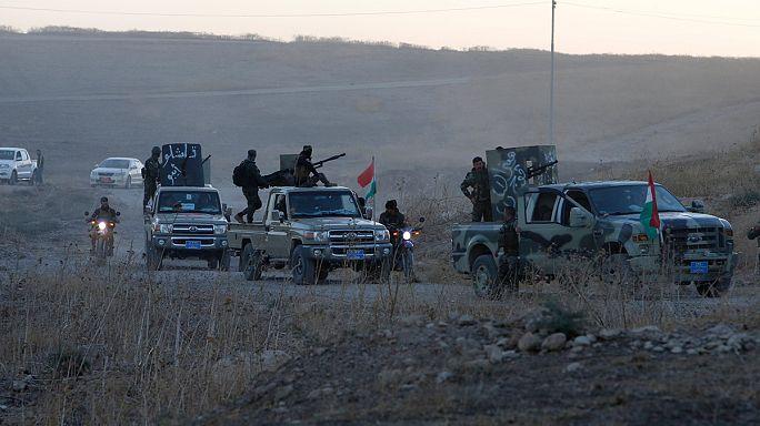 Iraque: EI lança ataques suicidas para tentar travar ofensiva em Mossul