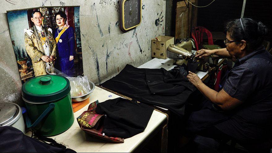 Tayland ekonomisi alarm veriyor