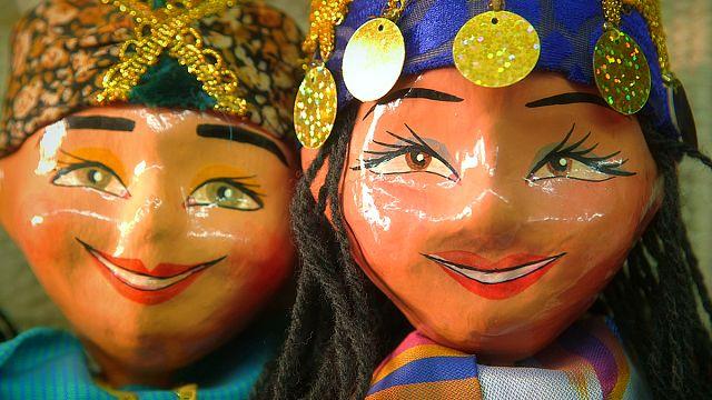 Les marionnettes font battre le coeur de Khiva en Ouzbékistan