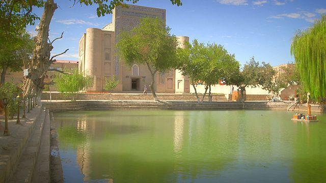 Bujará: Lyabi-Hauz un remanso de paz uzbeko