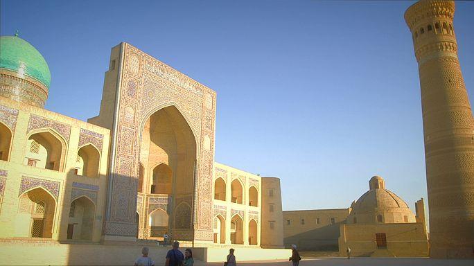 کارت پستال از ازبکستان؛ عمارت «پای کلان» در بخارا