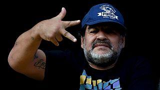 Italie: Maradona, accusé de fraude fiscale, refuse de payer