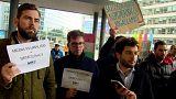 صحفيون في بروكسل يتظاهرون دعما لحرية الإعلام في المجر