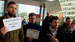 Journalisten demonstrieren in Brüssel für ungarische Pressefreiheit