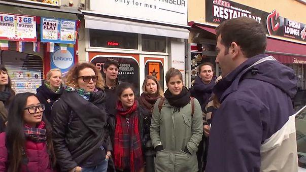 """Asylbewerber führen durch """"ihr"""" Berlin"""