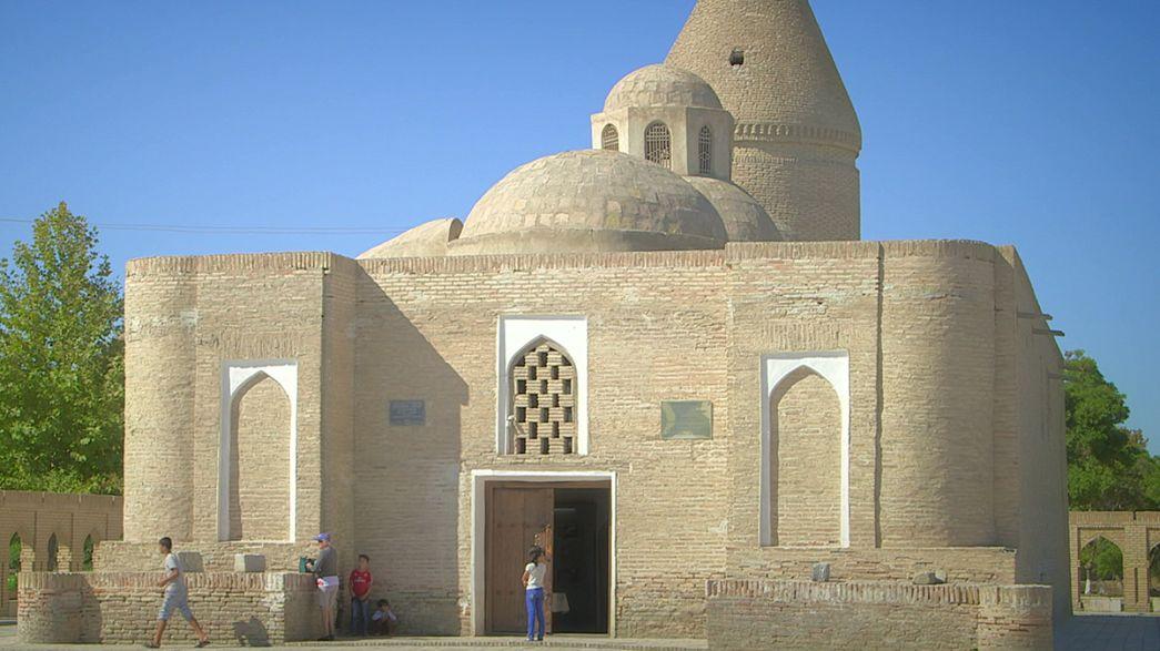 Postcards from Uzbekistan: the Chashma Ayub mausoleum