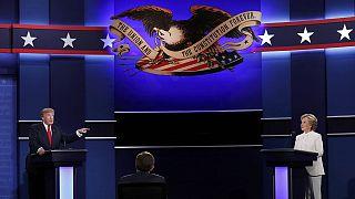 """HIllary Clinton acusa Trump de ser """"o fantoche de Putin"""""""