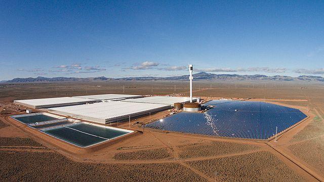 مزرعة مغلقة في الصحراء الأسترالية تعمل بالطاقة الشمسية