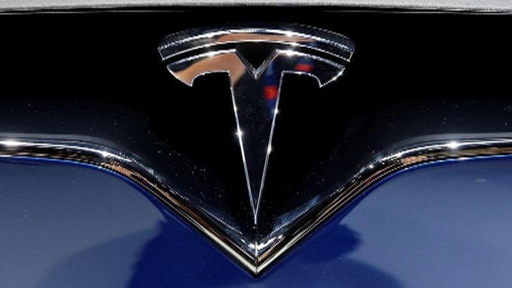 Tesla: Novos carros da marca vão ter tecnologia para serem 100% autónomos