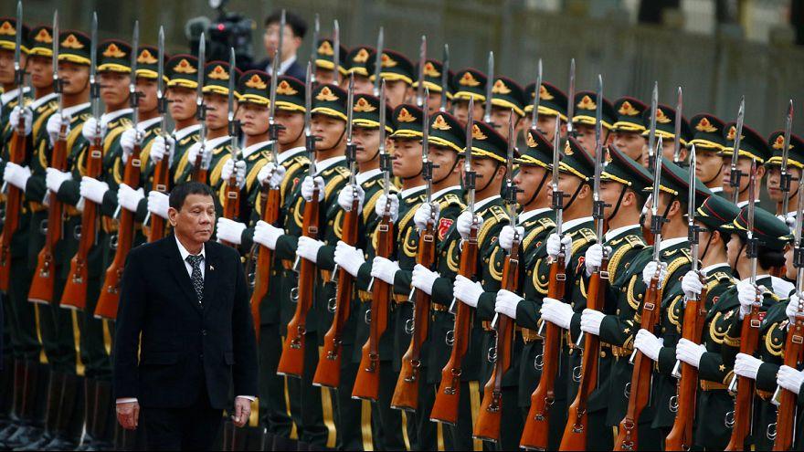 Duterte anuncia que Filipinas se separa de EE.UU. y se alinea con China