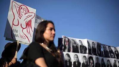Chileans, Bolivians march against femicide