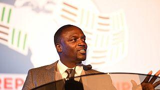Au Liberia, Akon fait une blague à propos de Donald Trump