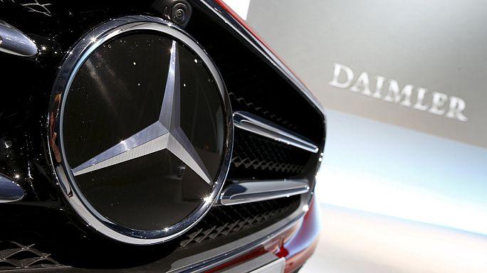 Daimler: Autosparte hui, Lastwagen....