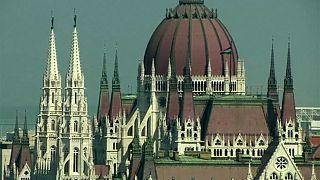 Macaristan yüksek gelir vergilerini düşürecek